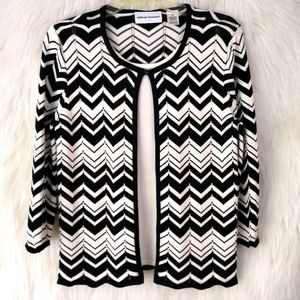 Alfred Dunner Black & White Chevron layered Top
